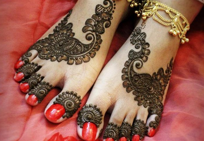 Best Mehndi Design For Feet 2020,Cute Wedding Indian Lehenga Designs For Girls Wedding